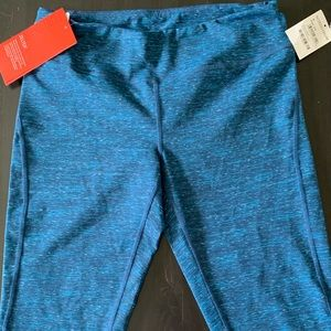 NWT - Zella CROPPED Live-In Workout Pants